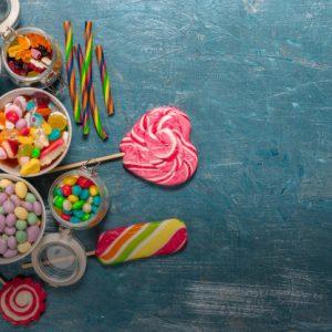 الحلوى والتسالي